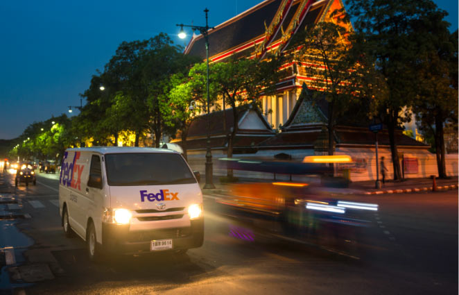 FedEx international delivery truck